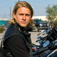 300_hunnam_charlie_lc_092308
