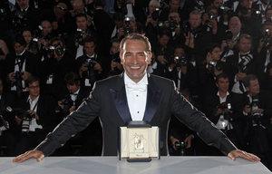 Jean-Dujardin-Cannes_pics_300