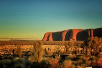 Sunrise-on-Uluru_1